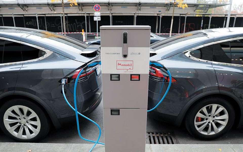 Σταθμούς φόρτισης ηλεκτρικών αυτοκινήτων σχεδιάζει η Θεσσαλονίκη