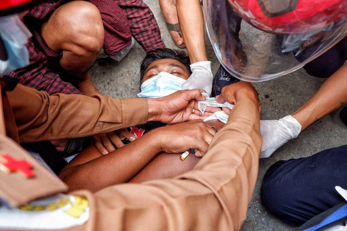 Μιανμάρ: Δύο νεκροί και 30 τραυματίες από αστυνομικά πυρά
