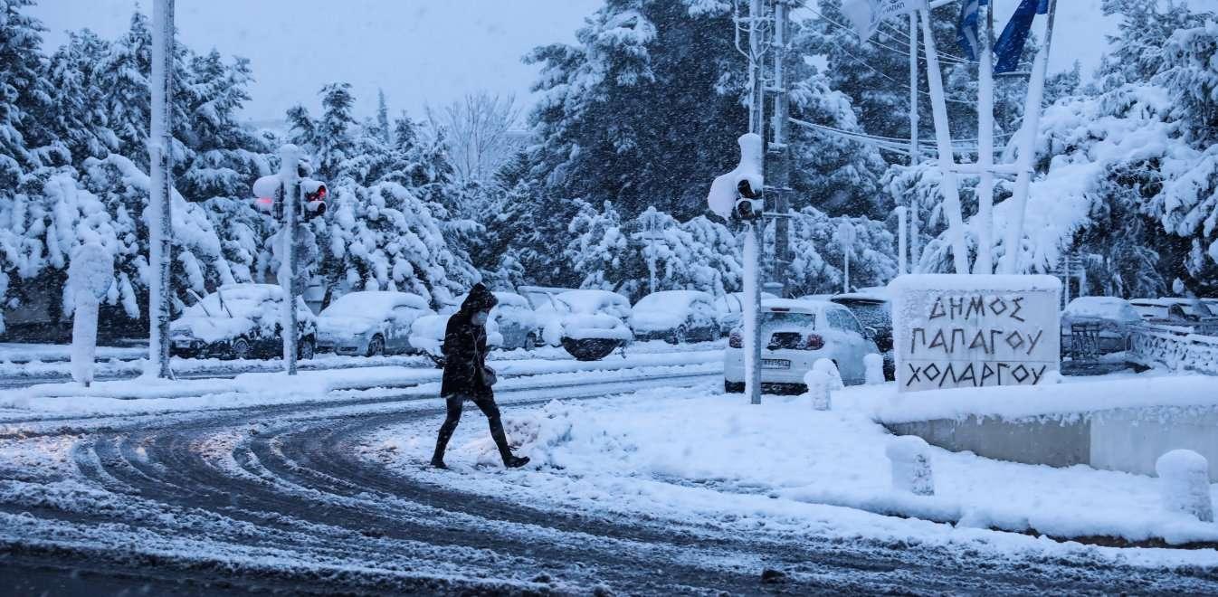 Πως θα εξελιχθεί ο χιονιάς- Τι λένε οι μετεωρολόγοι
