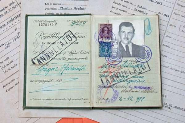 Γιόζεφ Μένγκελε: Η μαύρη επέτειος από τη γέννηση του «Άγγελου του Θανάτου του Άουσβιτς»