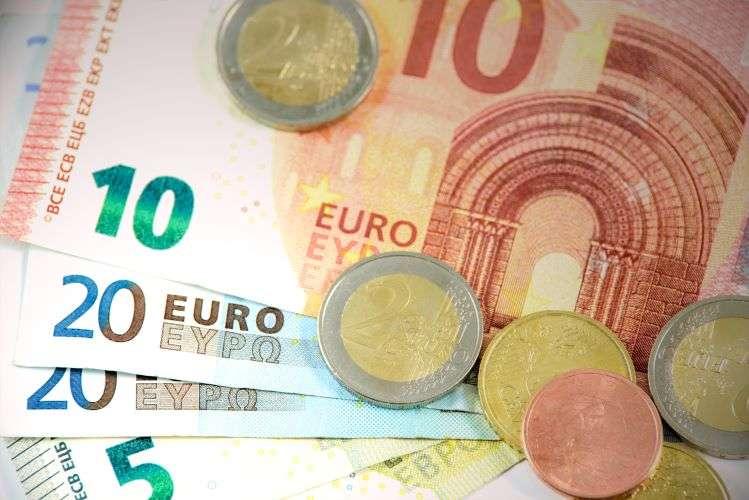 Αναστολές Μαρτίου - Πότε θα γίνει η πληρωμή των 534 ευρώ
