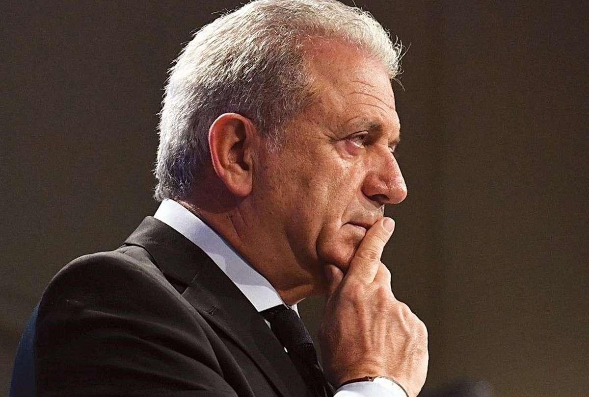 Ο Αβραμόπουλος θέλει Επικρατείας, η Πειραιώς του απαντάει Α'Αθήνας!