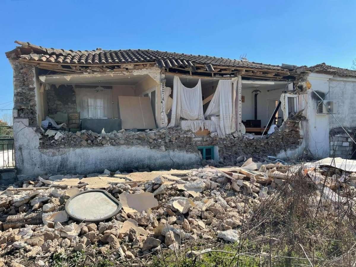 Ελασσόνα - σεισμός: Στους δρόμους οι κάτοικοι - Φόβοι για ισχυρούς μετασεισμούς