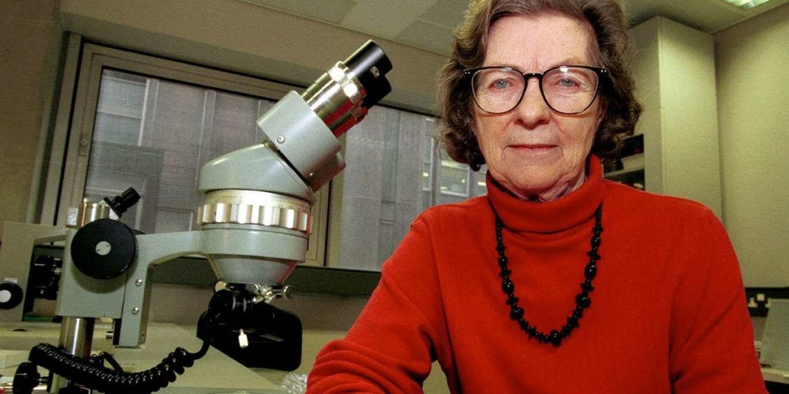 Γιατί η Βρετανίδα βιολόγος, Αν Μακλάρεν, τιμάται με doodle από την Google