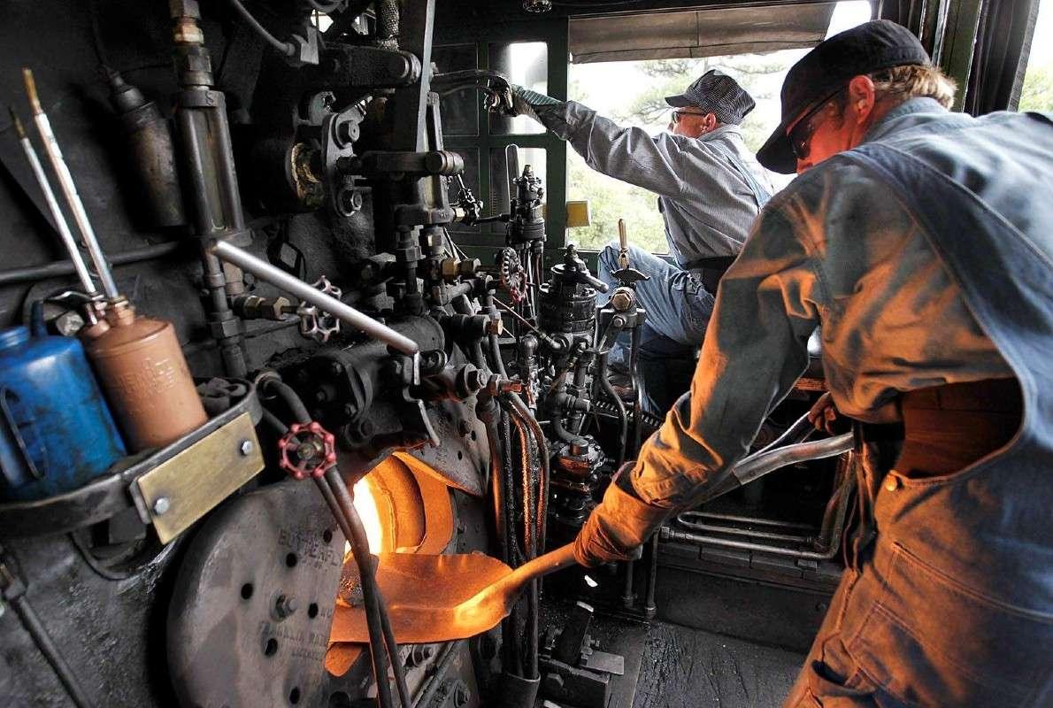 """""""Τρένο"""" η Wall Street καθώς η Fed ταϊζει κάρβουνα τη μηχανή"""
