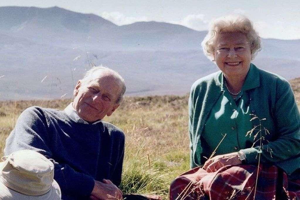 Η φωτογραφία που αποχαιρέτησε η βασίλισσα Ελισάβετ τον Φίλιππο