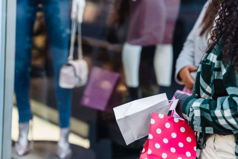 Τέλος το click inside - Ψώνια εντός του καταστήματος χωρίς ραντεβού
