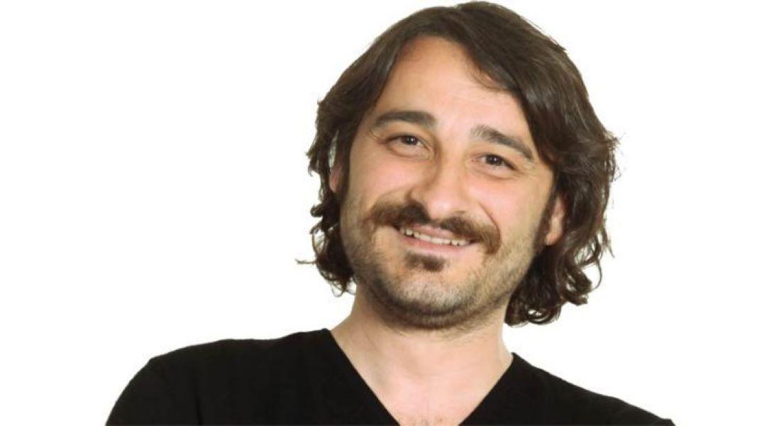 Ο Βασίλης Χαραλαμπόπουλος μπήκε σε κάδο να σώσει κουταβάκι (vid)