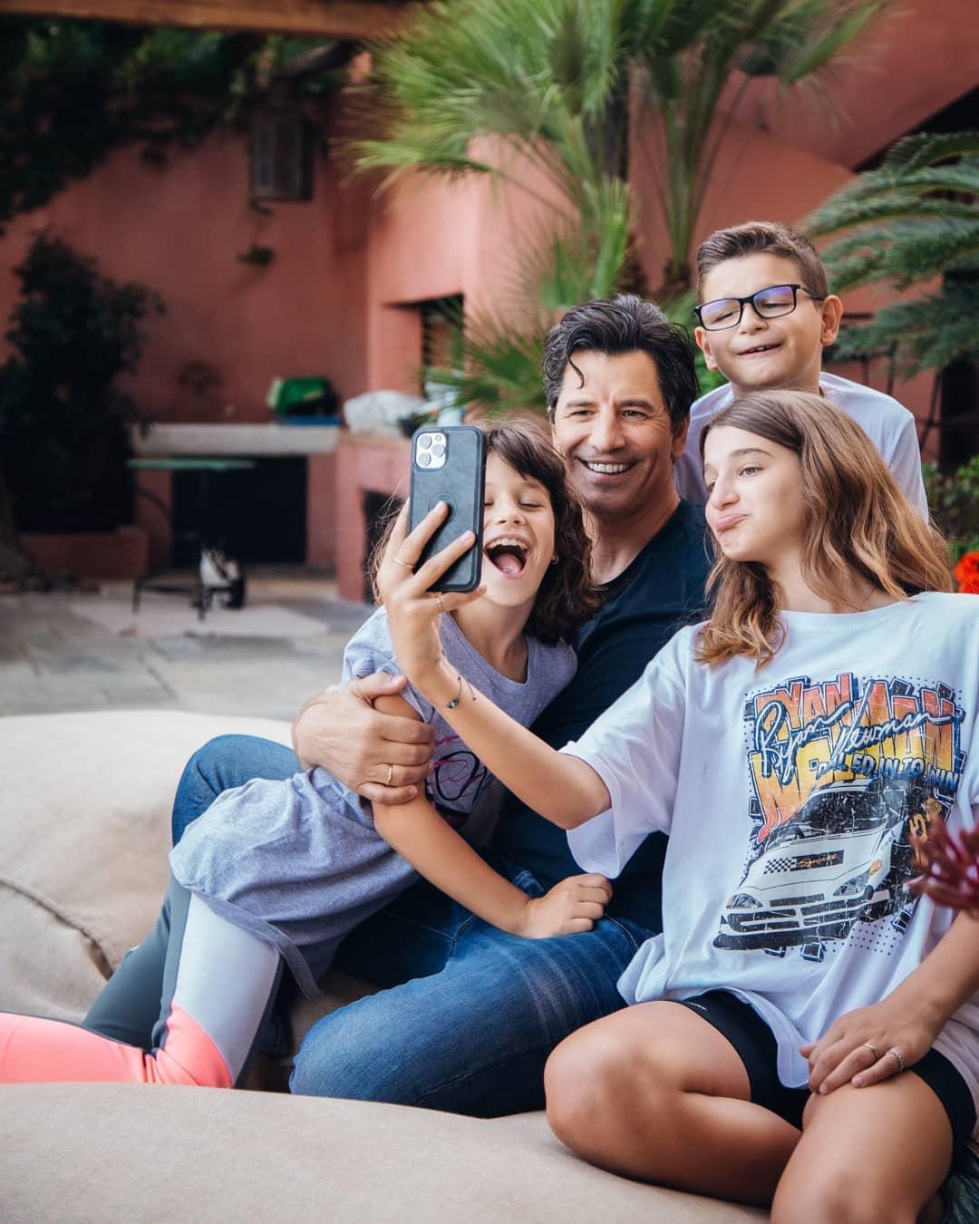 Γιορτή του Πατέρα: Διάσημοι μπαμπάδες στο Instagram