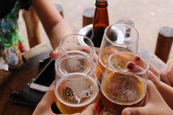 Οι Έλληνες κατανάλωσαν το λιγότερο αλκοόλ στην Ευρώπη κατά το lockdown