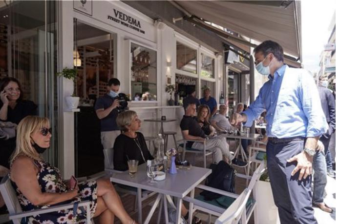 Κ. Μητσοτάκης: Με βόλτα στην πόλη κλείνει την περιοδεία του στα Ιωάννινα