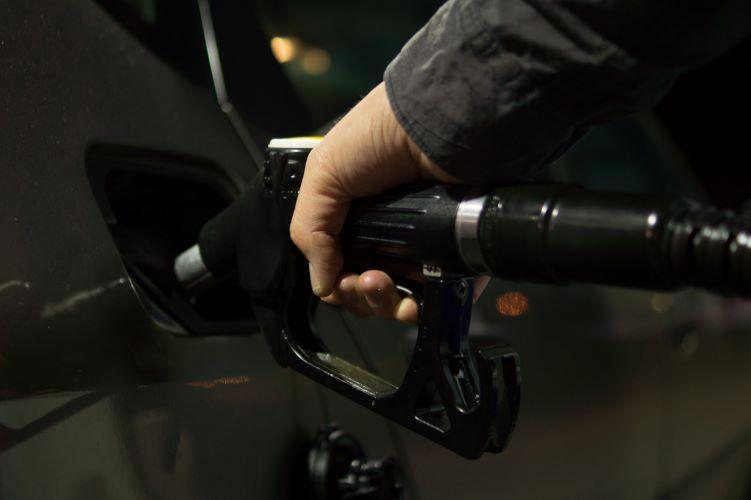 Ράλι στις τιμές της βενζίνης - «Φωτιά» στις τσέπες των οδηγών!