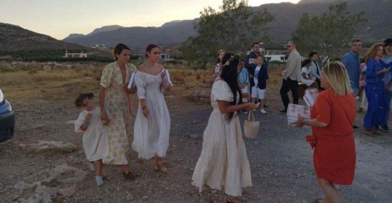 Η Demi Moore έγινε νονά στην Κρήτη