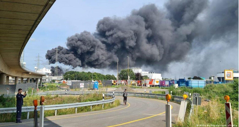 Ισχυρή έκρηξη σε εργοστάσιο στο Λεβερκούζεν - Πολλοί τραυματίες