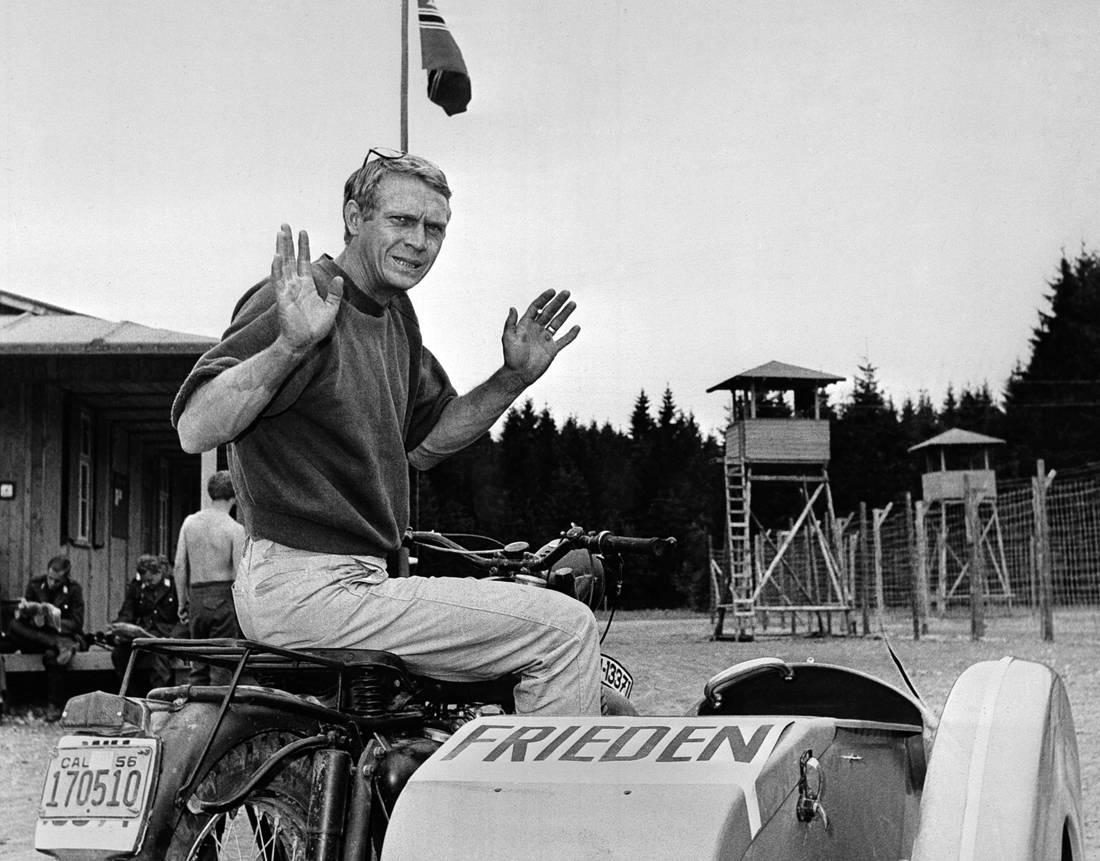 """Στιβ ΜακΚουίν: Στο """"σφυρί"""" η πρώτη μοτοσικλέτα του"""