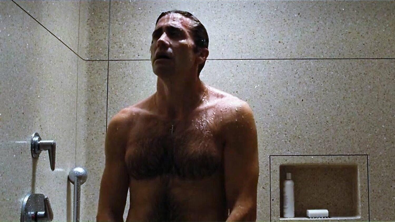 Ο Τζέικ Τζίλενχαλ δεν πιστεύει ότι το τακτικό μπάνιο είναι «απαραίτητο»