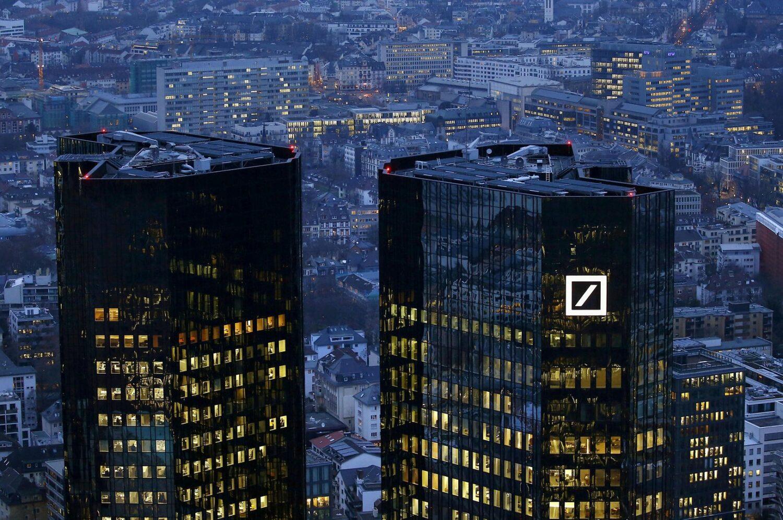 """Ξέσπασε η Deutsche Bank κατά ΕΕ: """"Μας πνίγετε"""""""